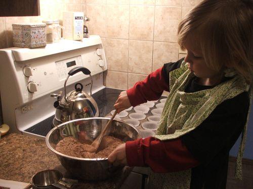 DSCF4630 - Making cupcakes